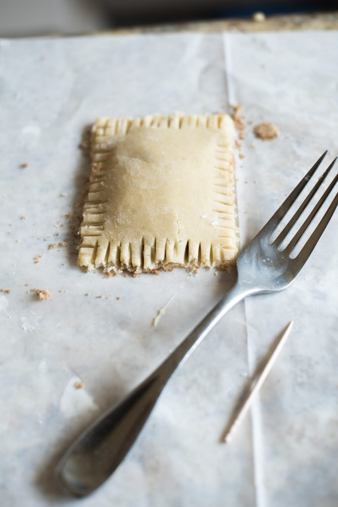 Homemade Brown Sugar Cinnamon Pop-Tarts: A crispy pastry, filled with cinnamon sugar, topped with a delicious sugary glaze. Pop- Tarts for kids + adults!